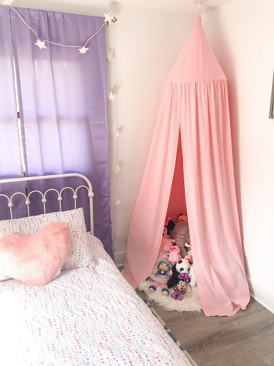 Looking to create a fun and budget friendly girls bedroom? You can find some great ideas here!